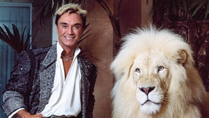 Roy Horn of Siegfried and Roy Dead at 75 After Catching COVID-19