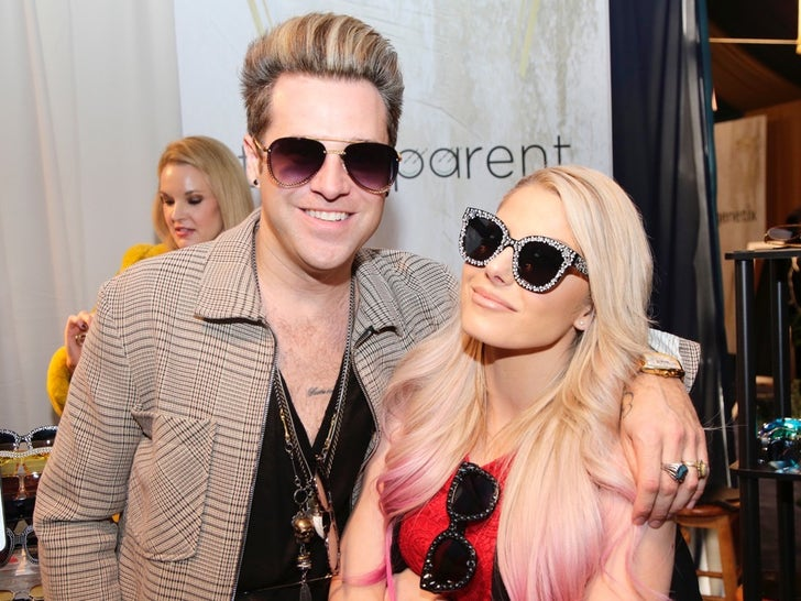 Ryan Cabrera and Alexa Bliss Hit The Grammy Gifting Suites