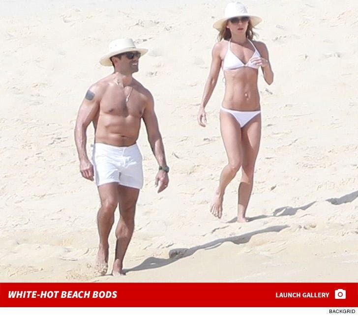 Kelly Ripa and Mark Consuelos -- White-Hot Beach Bods in Mexico