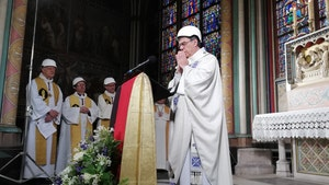 Notre Dame Priests Wear Hard-Hat Helmets in First Mass Since Fire
