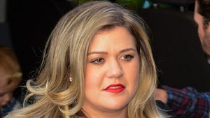 Kelly Clarkson Slashes Tennessee Mansion Price By More Than $1 Million