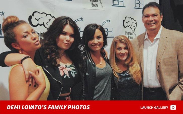 Demi Lovato's Family Photos