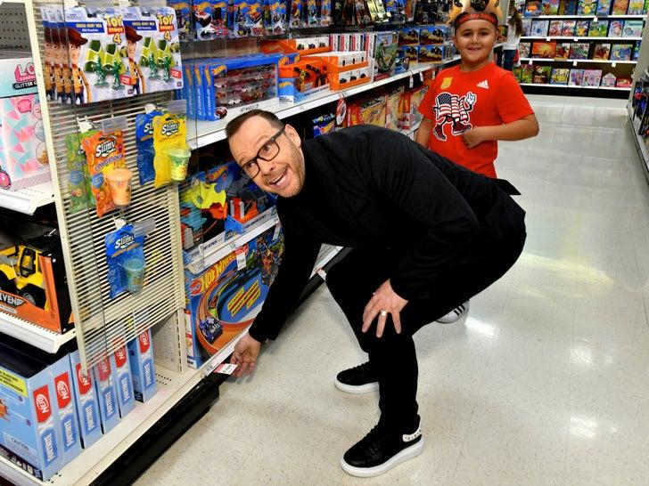 Stars Shopping At Target