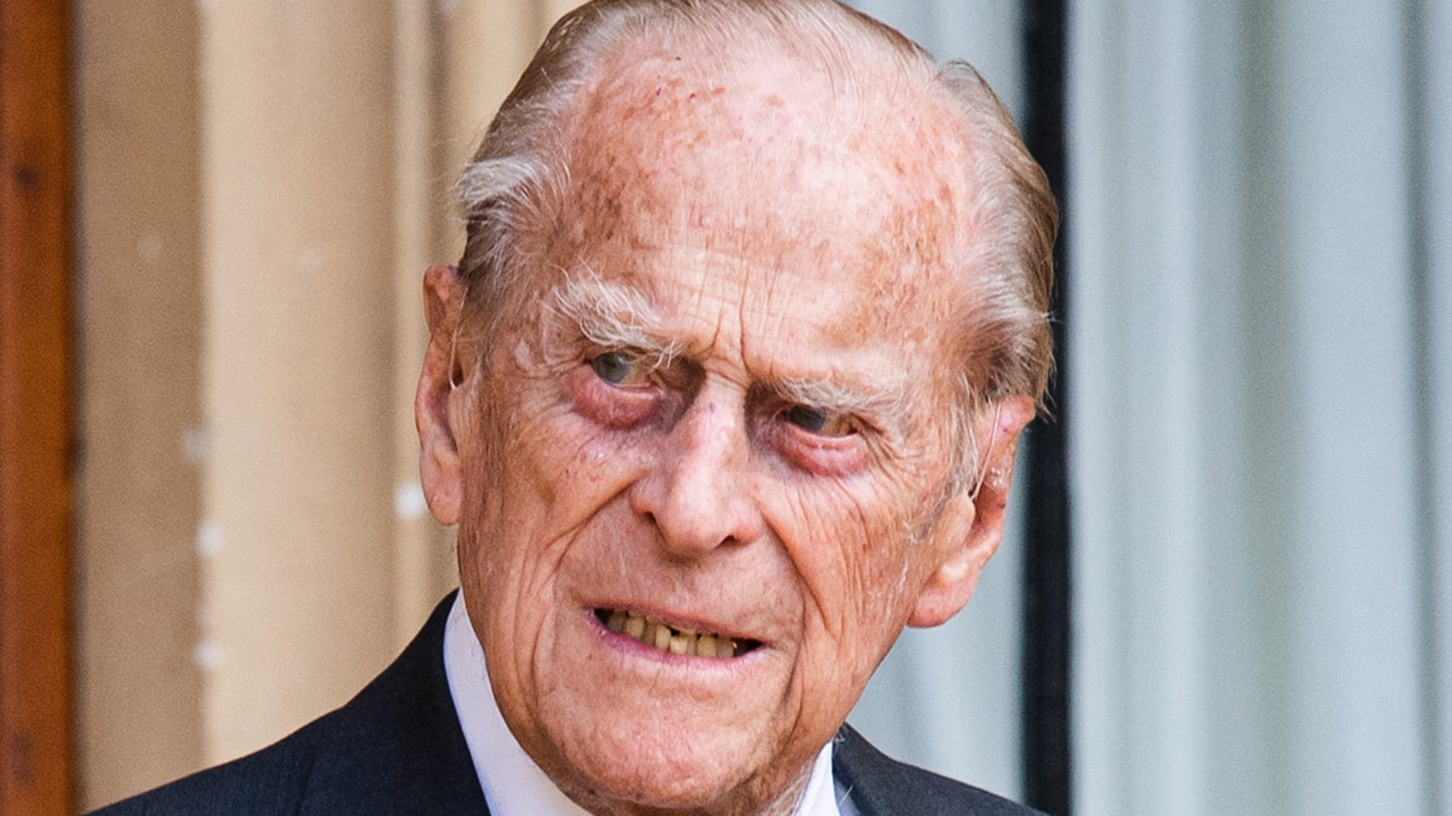 Prince Philip lying down to rest at the royal funeral, watch the live broadcast