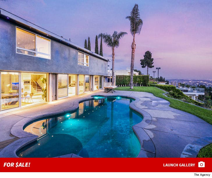 Nick Cassavetes -- Selling Hollywood Hills Home