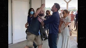 Ben Affleck Confronts Pushy Fan to Protect J Lo in Venice