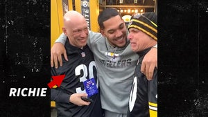 Steelers' James Conner Has Emotional Sideline Meeting with Fan Battling Cancer