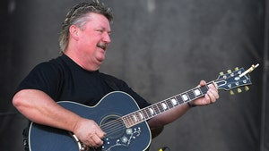 'John Deere Green' Country Singer Joe Diffie Dead at 61 From Coronavirus
