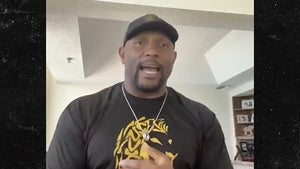 Ray Lewis Donating Miami Turnover Chain For COVID Relief, VIP Experience Too!