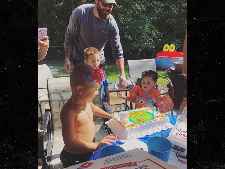 Jenelle Evans & Husband Join Her Kids at Party Amid Custody Battle