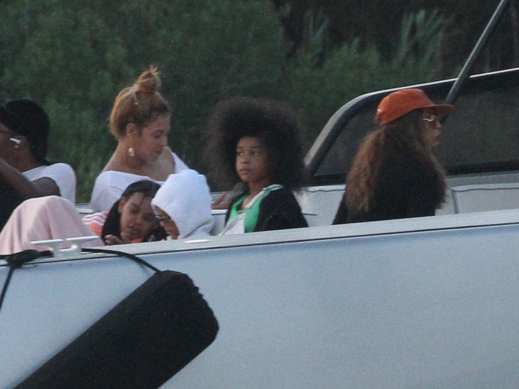 Beyonce, Tina Knowles, Blue Ivy Carter Enjoy Boat Ride in The Hamptons