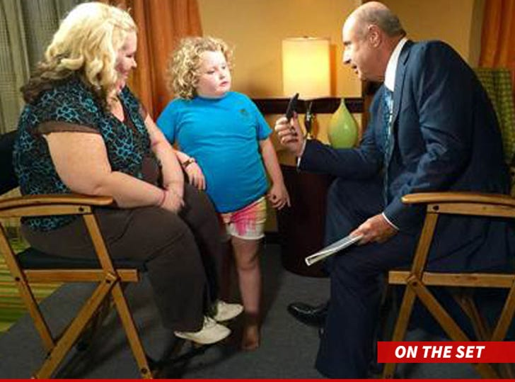 Mama June tells Dr  Phil -- The Child Molester Hotel Room
