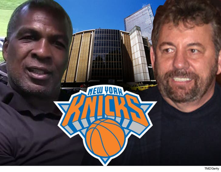 Charles Oakley UNBANNED By Knicks     Welcome Back to MSG
