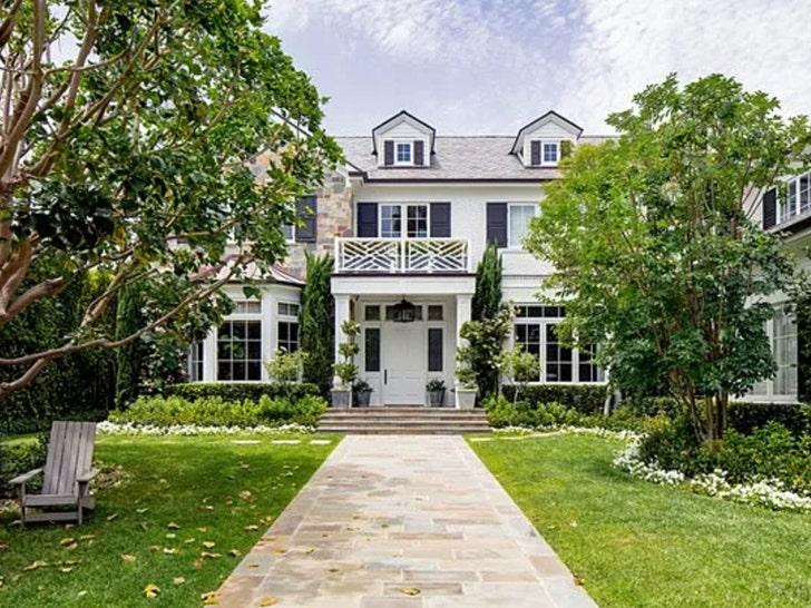LeBron James Selling Massive Brentwood Mansion for $20 Mil.jpg