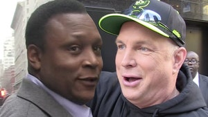 Barry Sanders Hilariously Reacts To Garth Brooks' 'Bernie' Jersey Outrage