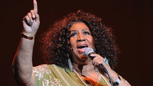 Hearse Arrives at Aretha Franklin's Detroit Home for Funeral Prep