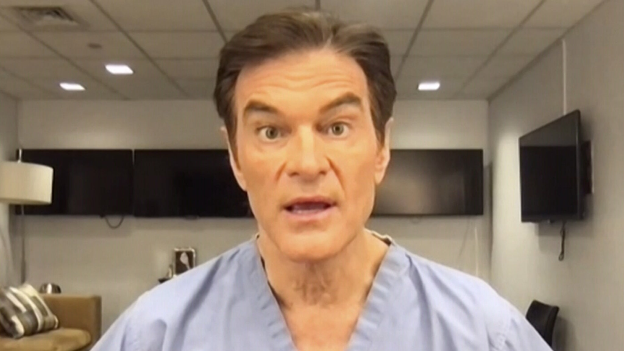 Dr. Oz Saves Man's Life at Newark Airport After He Collapsed, Flatlined - TMZ