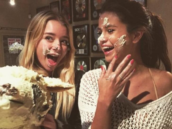 Celebrity Cake Faces