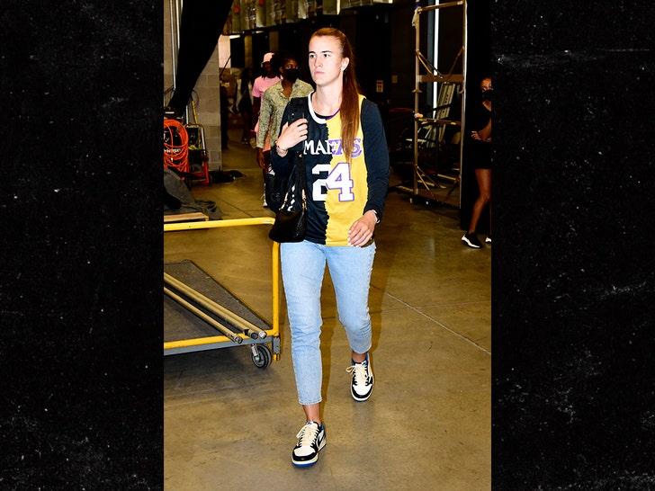 Sabrina Ionescu Honors Kobe And Gigi Bryant With Awesome Custom Jersey.jpg
