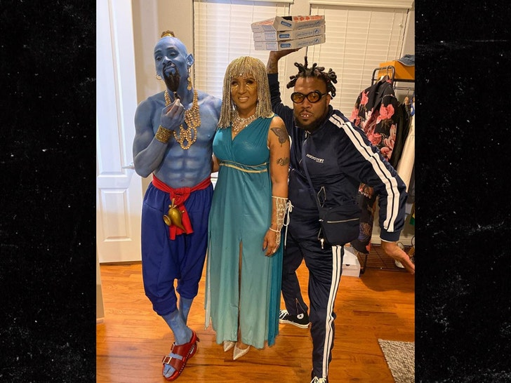 Deandre Hopkins Halloween 2020 DeAndre Hopkins Rocks Insane Genie Costume, Deshaun Watson Keeps