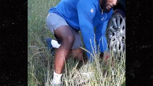 Colts' Darius Leonard Helps Flat Tire Victim, 'Thank The Lord For Angels!'