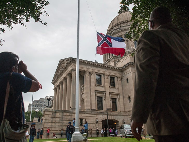 Mississippi Flag Comes Down at State Capitol
