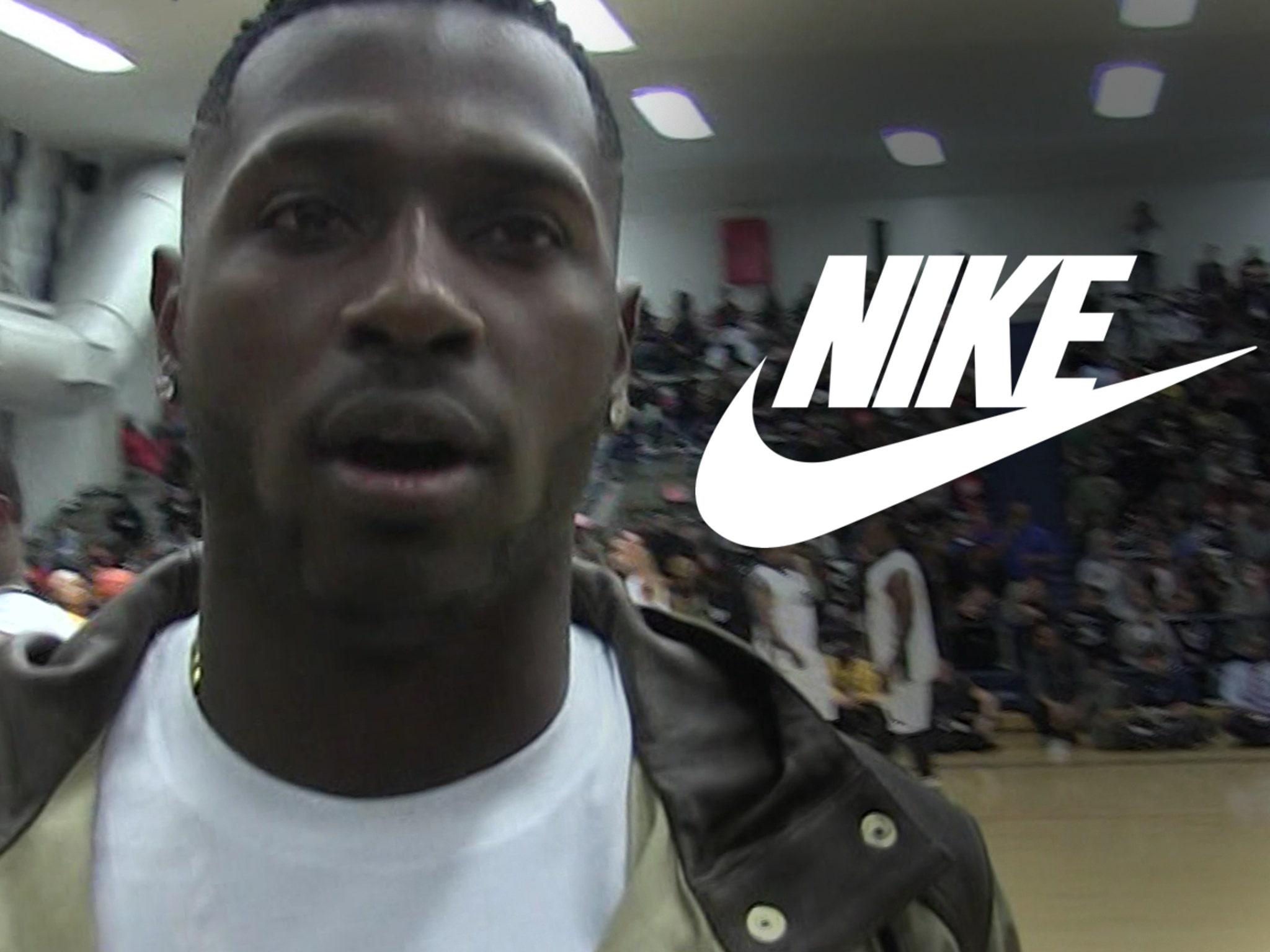 menor Tan rápido como un flash lema  Nike Drops Antonio Brown Amid Rape Allegations