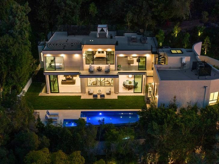 Brooklyn Beckham New Home