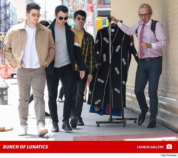 Jonas Brothers With Keith Dick -- Bunch of Lunatics