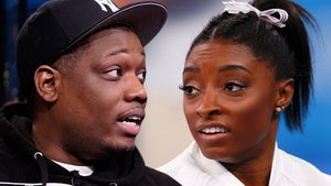 Michael Che Shares Simone Biles Jokes, Gets Immediately Dragged for it