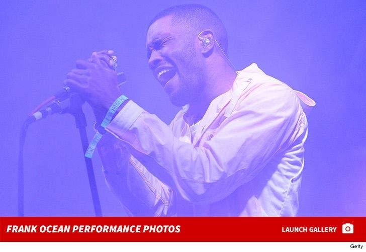 Frank Ocean Performance Pics