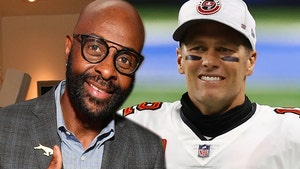 Jerry Rice Officially Passes 'G.O.A.T.' Label To Tom Brady, I'll Admit It Now!