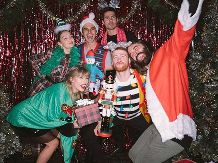 Taylor Swift Celebrates Her 30th Birthday
