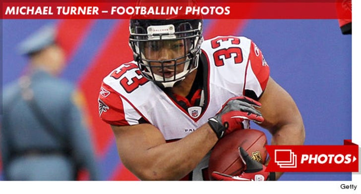 Michael Turner -- Footballin' Photos