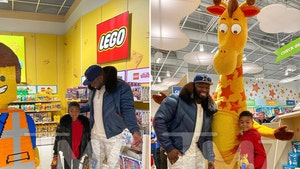 50 Cent Rents Out Toys 'R' Us, Lets Son Have Anything For Christmas
