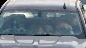 Gwen Stefani & Blake Shelton Back in L.A. After Wedding, Check Out Her Ring