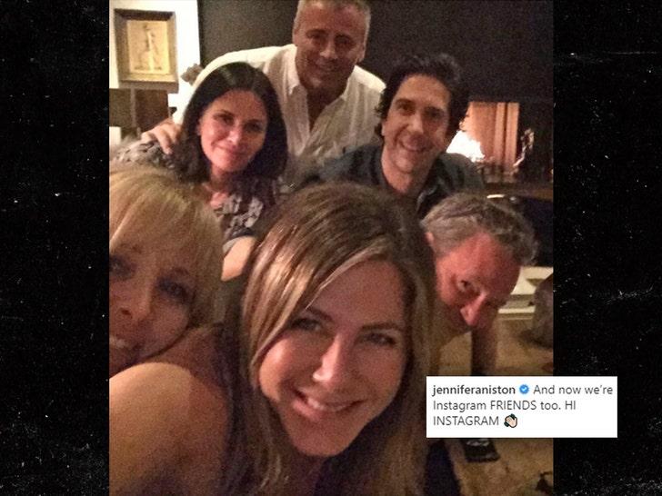Jennifer Aniston Joins Instagram Posts Pic Of Friends Cast Together