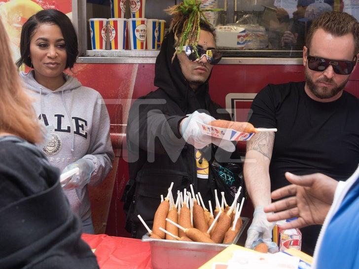 Lil Pump Feeds Homeless on Skid Row