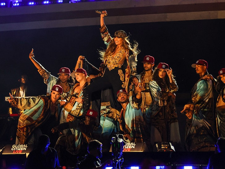 Jennifer Lopez Performs at Global Citizen Live