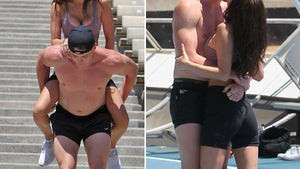 'Too Hot To Handle' Francesca and Harry's Sexy Workout Session