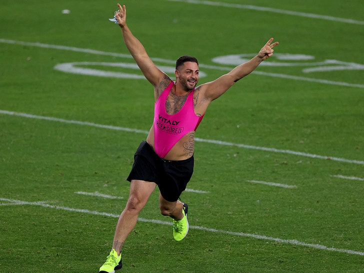Super Bowl Streaker Claims He won $375,000 For Stunt, I Literally Bet On Myself!