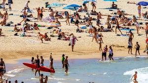 Australians Still Flock to Bondi Beach as Coronavirus Forces Tourism Ban