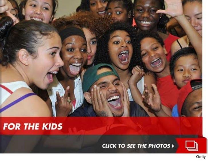 Chris Brown -- Judges Kids Dance Show After Car Crash