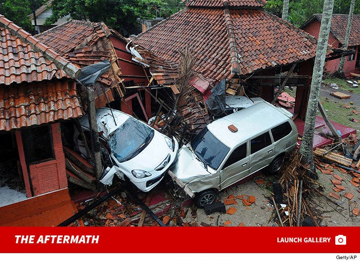 Aftermath Photos from Indonesia Tsunami