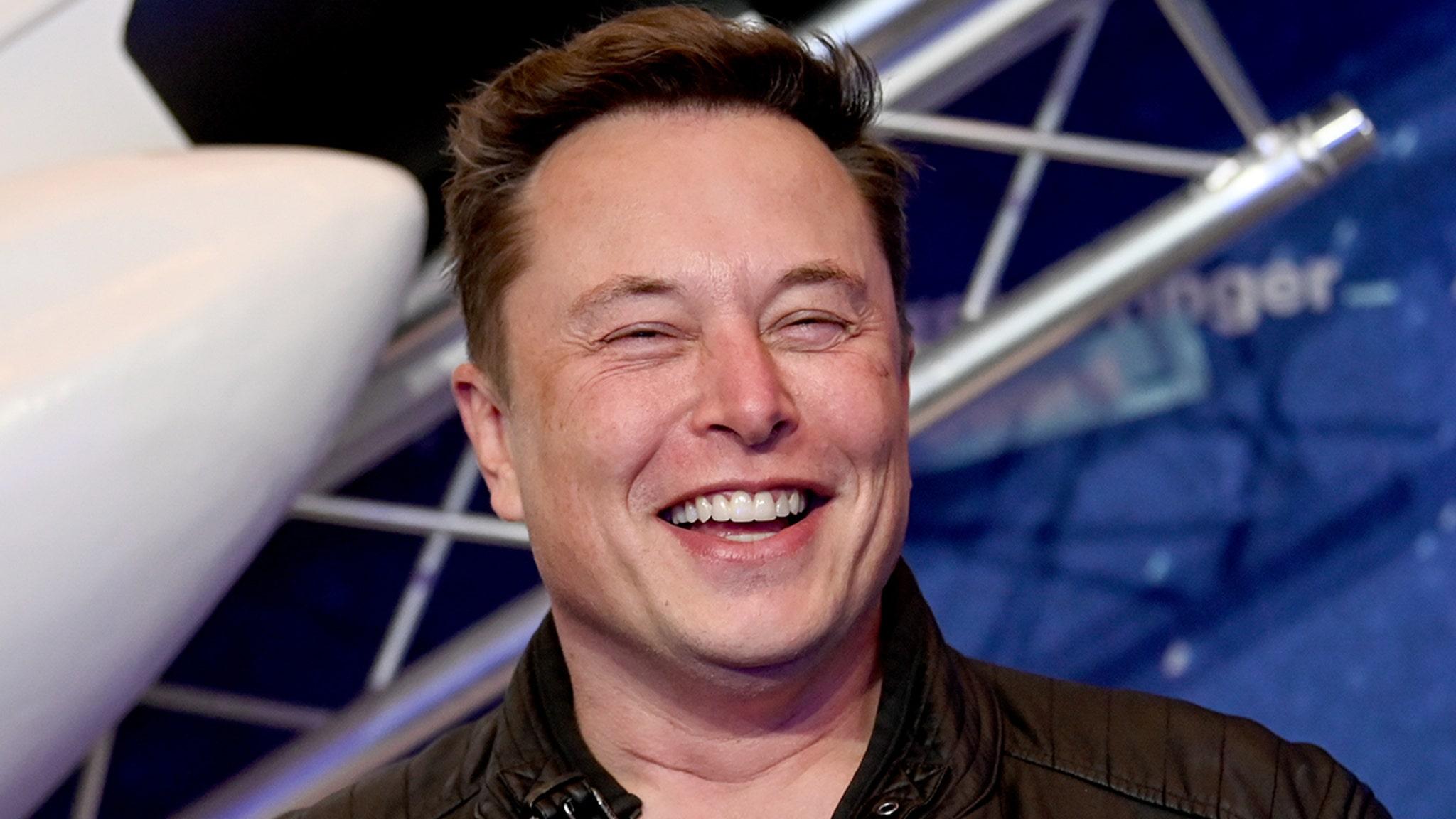 Илон Маск сообщил чиновникам Техаса об основании города Звездной базы