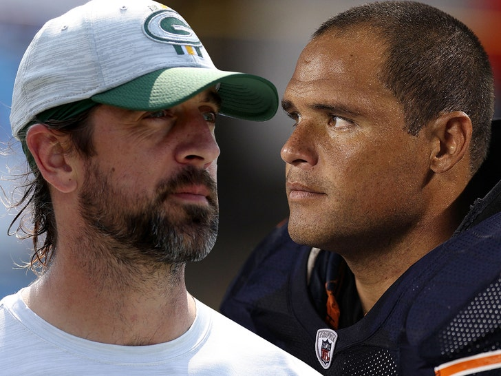 Ex-Bears Star Wanted To Punch Aaron Rodgers' Face Over 'Still Own You' Taunt.jpg