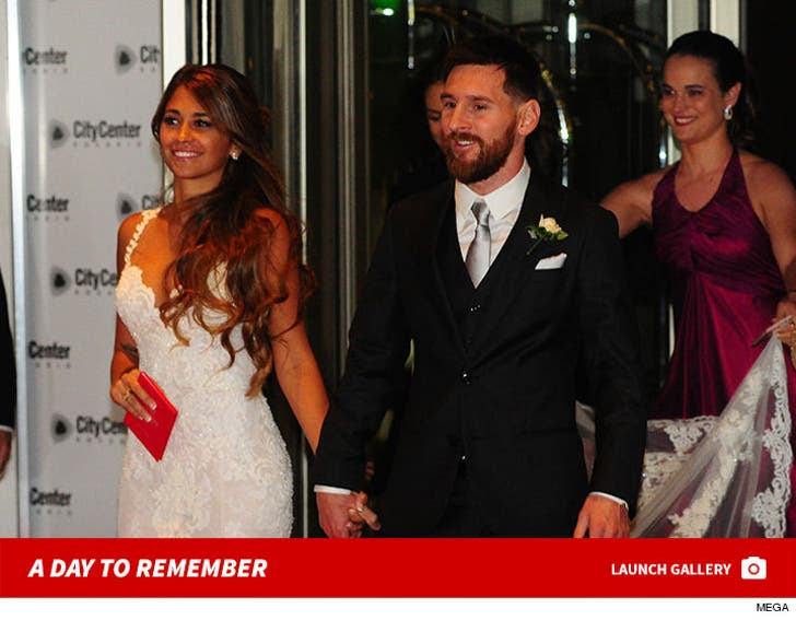 Lionel Messi and Antonella Roccuzzo Get Married