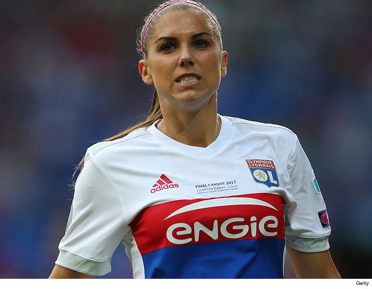 buy online 2d9b5 fb72e Cops: Alex Morgan Was Super Drunk, 'I Know the SWAT Team!'