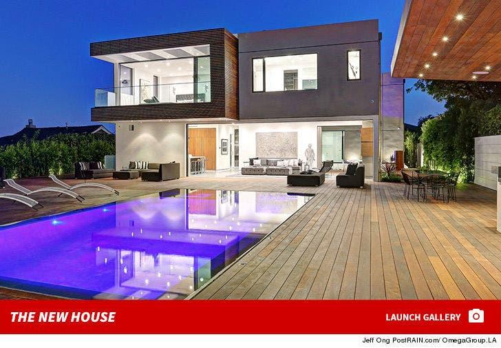 'Bond' Girl Izabella Scorupco's New House