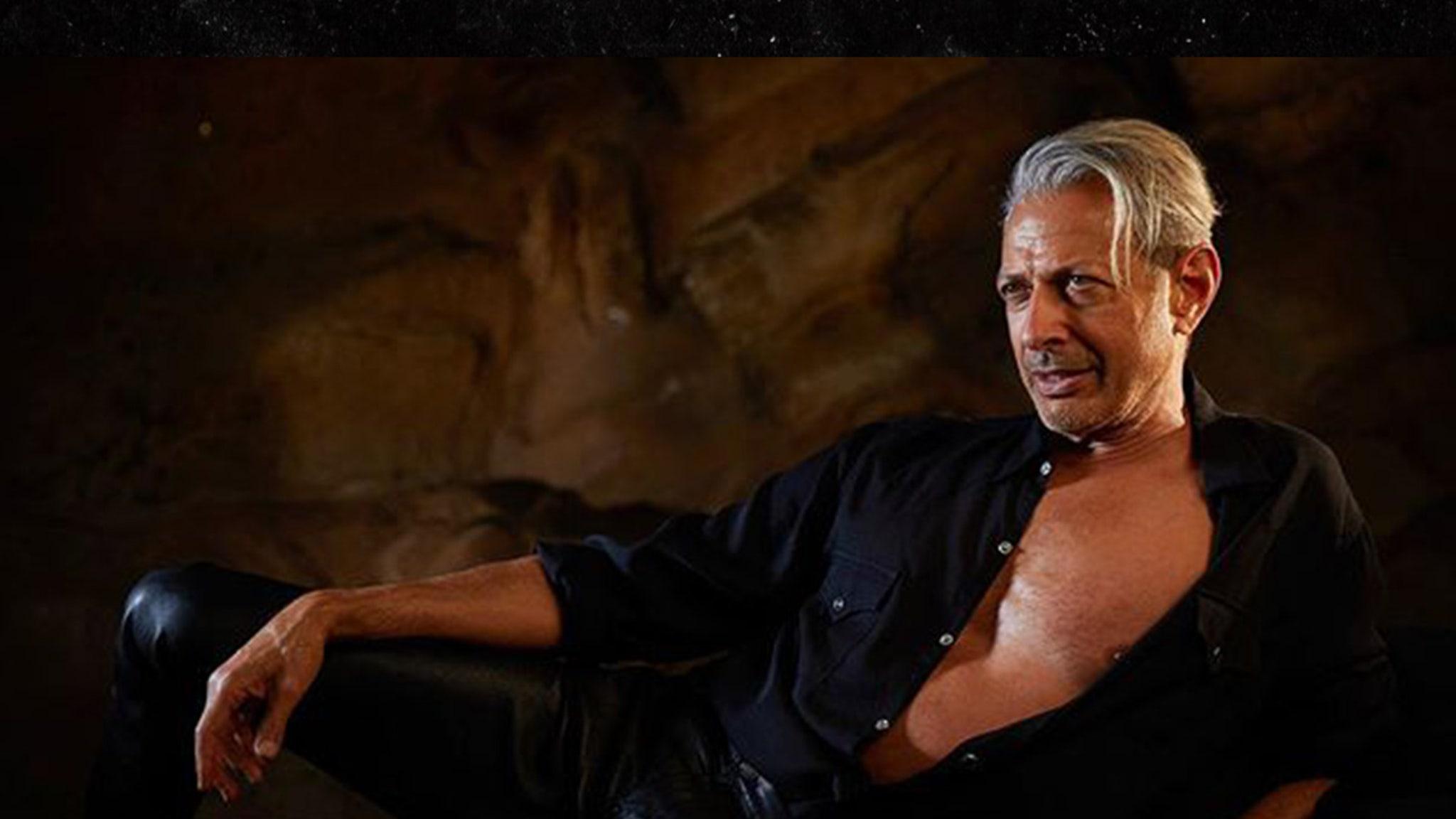 Jeff Goldblum Recreates Sexy 'Jurassic Park' Pose for Vote Campaign - TMZ